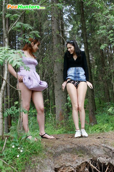 бестыдницы в лесу писает фото
